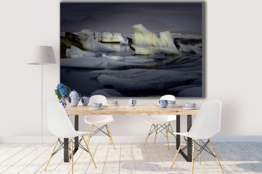 frozen-eagle-room
